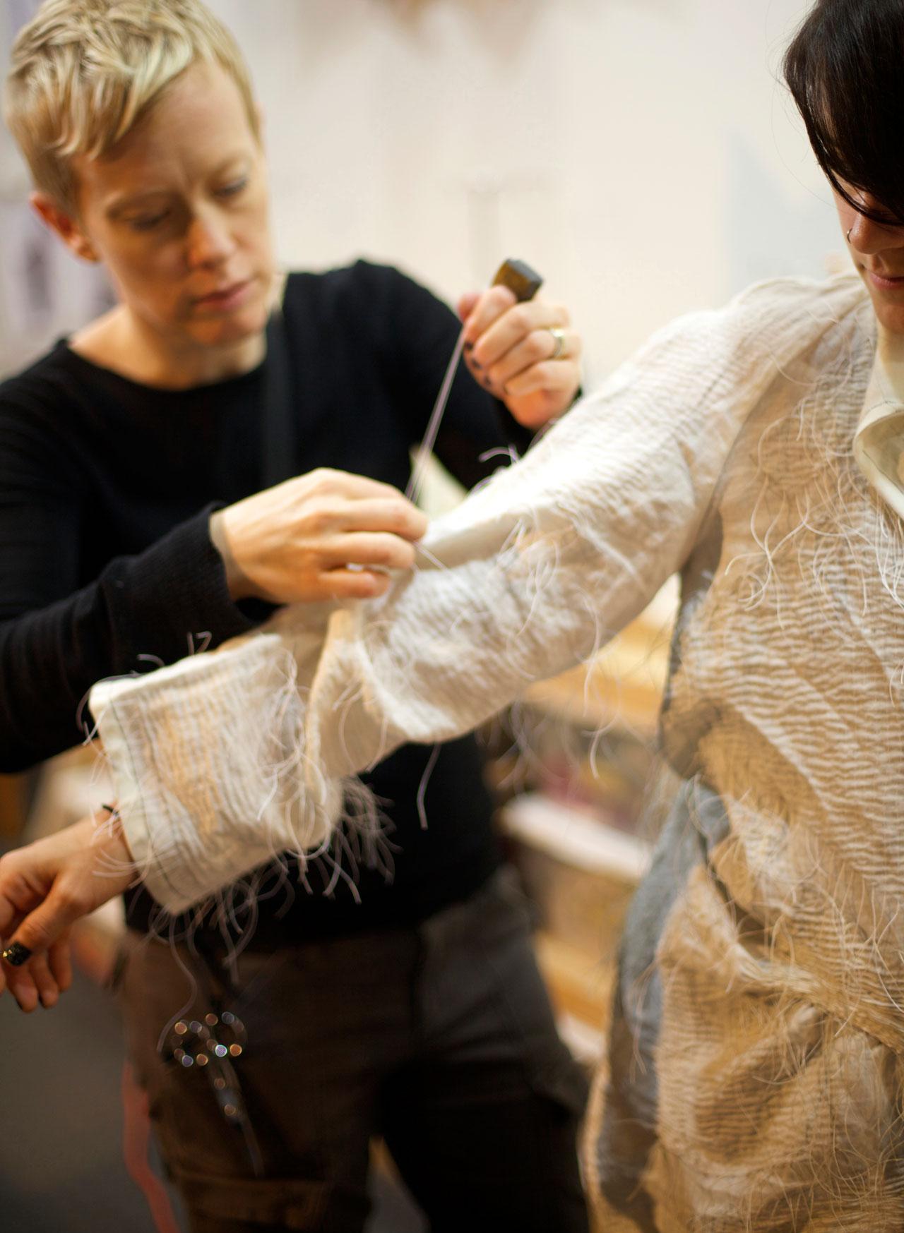 hand-stitching nui shibori